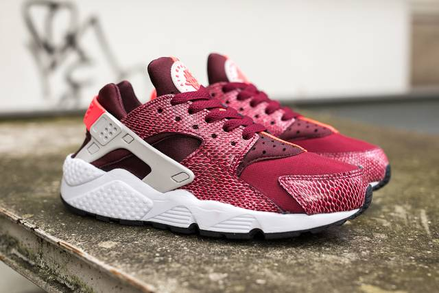 Product Womens Nike Air Huarache Burgundy Snake These Are Nike Air Huarache Womens