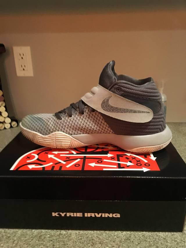 more photos 34f41 fddce ... Nike kyrie 2 wolf grey sz 8.5 . ...
