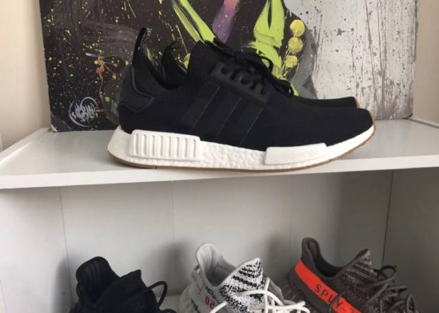 ADIDAS NMD R1 NOMAD CORE BLACK WHITE MONOCHROME