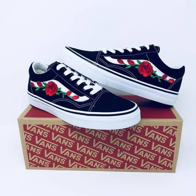 womens black old skool vans