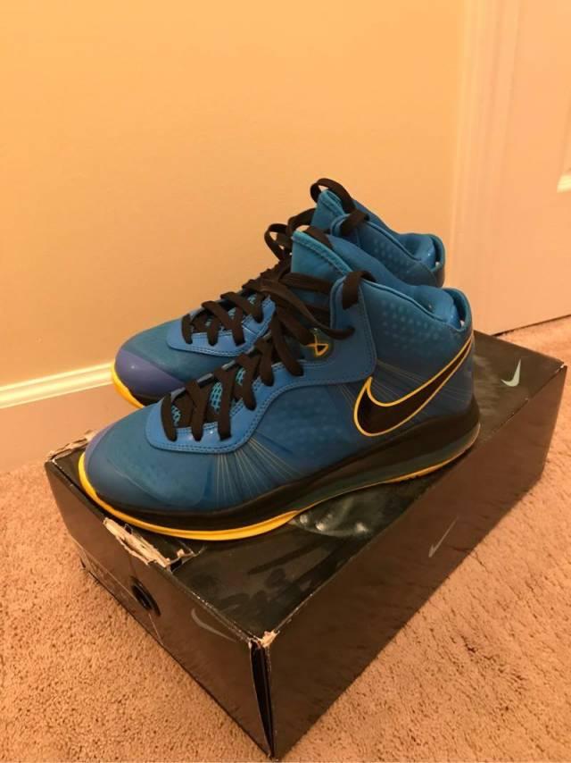 """the latest d3424 6eeb6 Nike LeBron 8 V 2 """"Entourage"""" Size 9.5"""