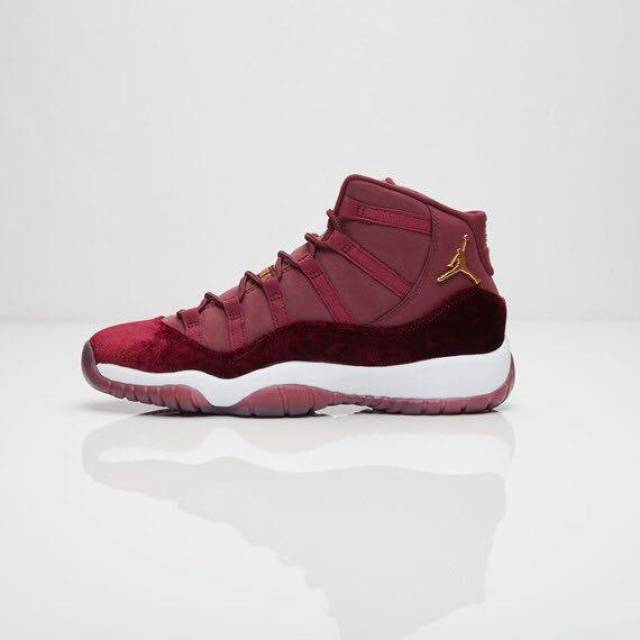 separation shoes 302d9 cea9d Air Jordan 11 Retro GS Heiress Night Maroon New 852625-650