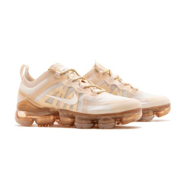 new products 89eb9 4438a Nike Wmns Air Vapormax 2019 White Gold