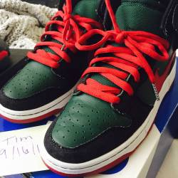 Nike dunk resn size 9us