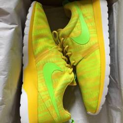 Nike roshe run chrome yellow e...