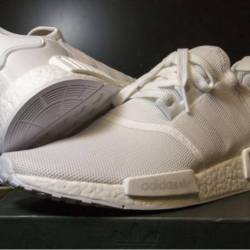 Adidas triple white nmd r1