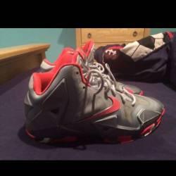 Nike lebron 11 size 7