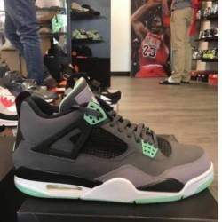 Jordan 4 green glow size 11 pr...