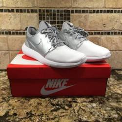 Nike roshe two size 11 & 12 si...