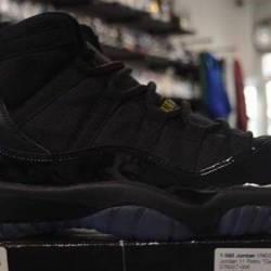 Jordan 11 gamma 9.5 pre owned