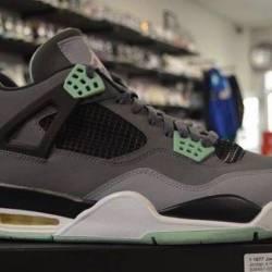 Jordan 4 green glow size 13 pr...