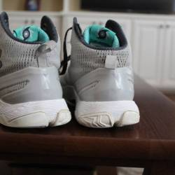 Curry two men s gray storm