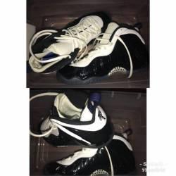 Air foams black and white