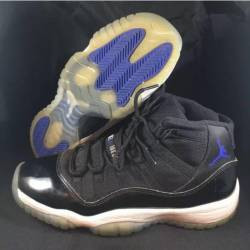 Air jordan space jam 11 size 6...