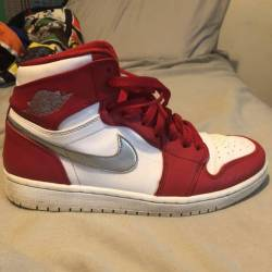 Jordan 1 red/metallic swish