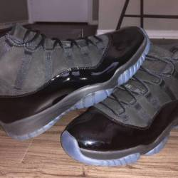 Jordan cap and gown 11s