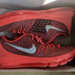 Used authentic nike 800259-610...