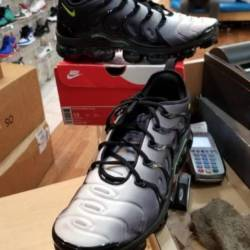 Nike vapormax plus black volt ...