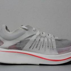 Nike mens zoom fly sp size 10....