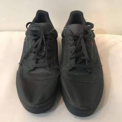 Yeezy calabasas black