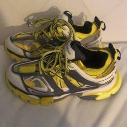 Balenciaga trainers yellow gre...
