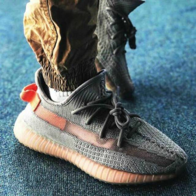 adidas yeezy boost 350 v2 grey